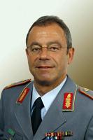 Brigadegeneral <b>Reinhard Kloss</b>, Stabsabteilungsleiter I im Führungsstab der ... - 01k